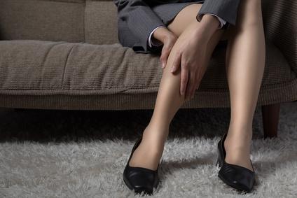 Jambes lourdes: 6 conseils pratiques au quotidien