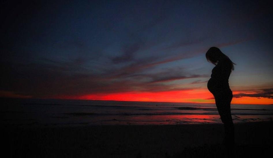 Comment voyager sereinement quand on est enceinte?
