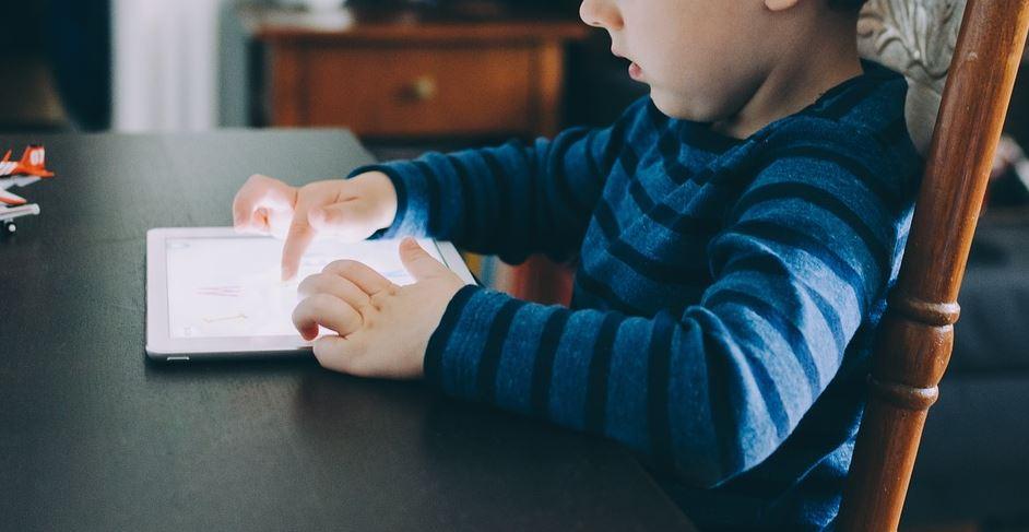 Les effets des médias sur le développement psychosocial de l'enfant