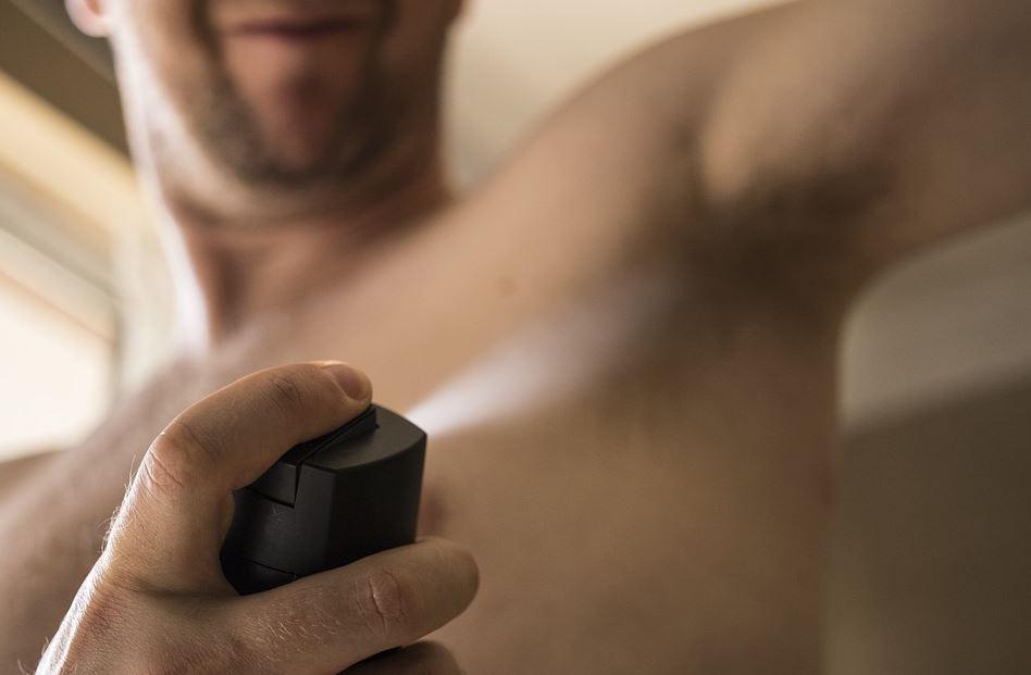 Déodorants naturels et anti-transpirants : les différences