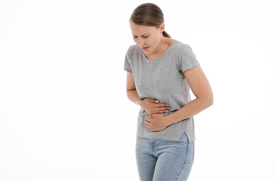 Les symptômes des douleurs abdominales aiguës